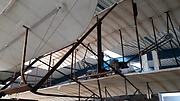 Kopie Wright Flyer (1903) met piloot Orville Wright