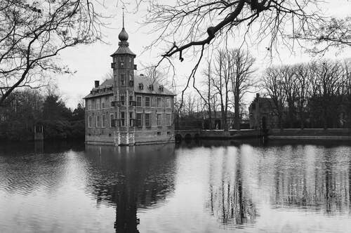 Kasteel Bouvigne 2, RCE, Commons